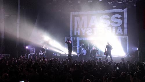 Mass Hysteria + Tenemos Roads au Métaphone
