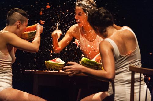 Pucie, une création pour trois danseuses