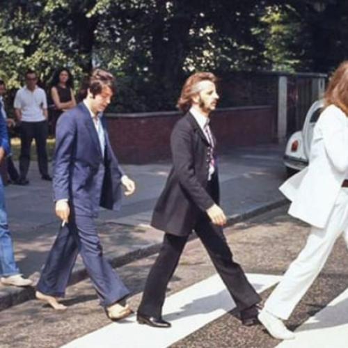 The Brighton Beach Boys jouent « Abbey Road »