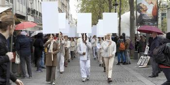 Blank Placard Dance, Replay : les panneaux blancs erreront de Lille au LaM