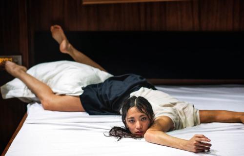 Tryptich de la compagnie belge Peeping Tom à l'Opéra de Lille
