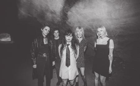 Warmduscher + Death Valley Girls