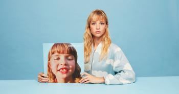 Angèle débarque avec son premier album «Brol»