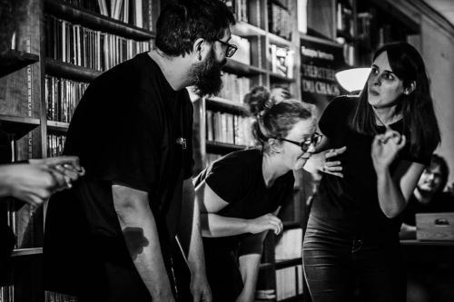 La lila improvise à la librairie avec Perf' d'impro