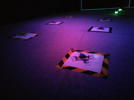 Chez Drone Arena, prenez le départ d'une course de drones indoor en immersion