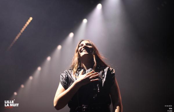 Izïa en entretien exclusif juste avant son concert complet à l'Aéronef