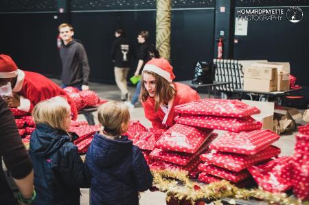 Le Père Noël est-il un Rocker ? remplit à nouveau sa hotte de jouets pour les enfants de la métropole lilloise