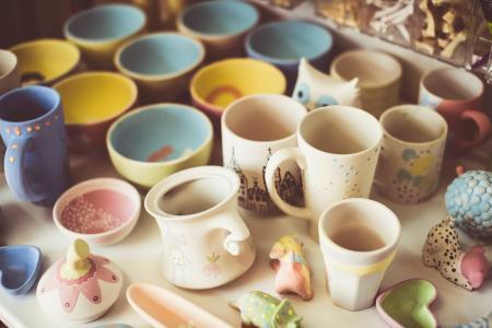 Le Popcup Café propose en Click & Collect des céramiques à peindre