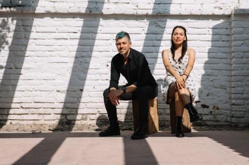 Rodrigo Y Gabriela + Lucas Santtana